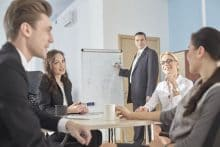 ファシリテーター最大の役割は安心して発言できる会議の場づくり