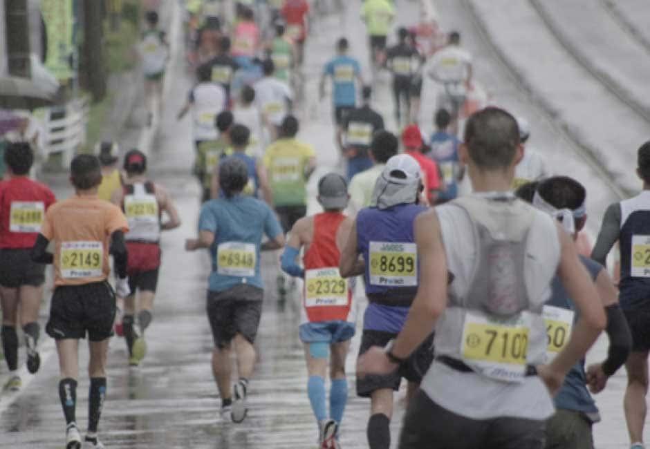 ランニングやマラソンには、ビジネスパーソンの人脈が広がるメリットもある-4